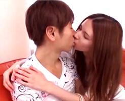 【小田切ジュン 女性向け】「好き同士なら…こういう事して良いでしょ?」ウブな彼の唇を奪っちゃう。素敵な人だなて思ってたからシたくなるって、当然の事でしょ?両想いなラブラブえっち