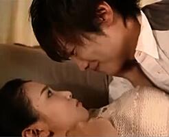 【一徹 友田彩也香】好意から愛情が芽生える瞬間…再会した2人が再燃して、濃厚な前戯から汗ばむ程のセックスで深く最奥まで繋がっちゃう♥