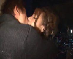素敵な夜景が見えるロケーションで大人デート、キスから始まる情事に酔いしれる…【しみけん】