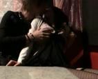 ハプニングバーで意気投合した男女がイチャイチャしてるうちに盛り上がってきて、隣のお客さんと見せ合いながらダブルエッチ